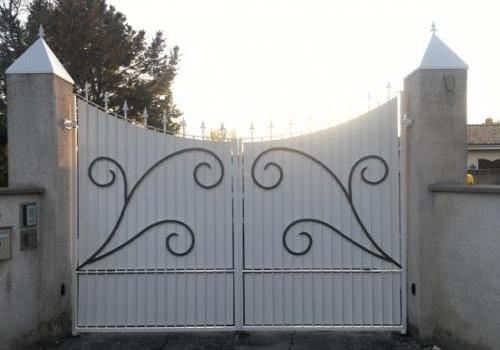 Portail d'entrée deux vantaux fer forgé